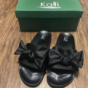 af24bc96c0bd BRAND NEW Kali Women's Flip Flops